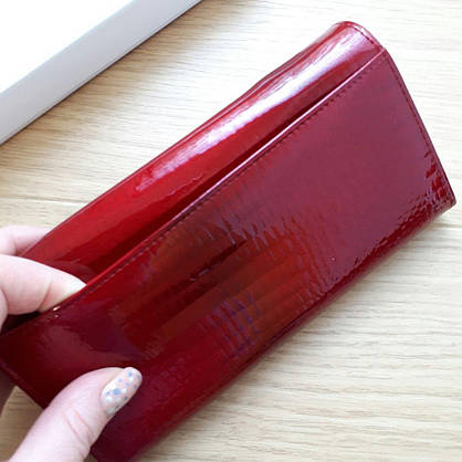 Кошелек женский кожаный лаковый на кнопке,красный, фото 3