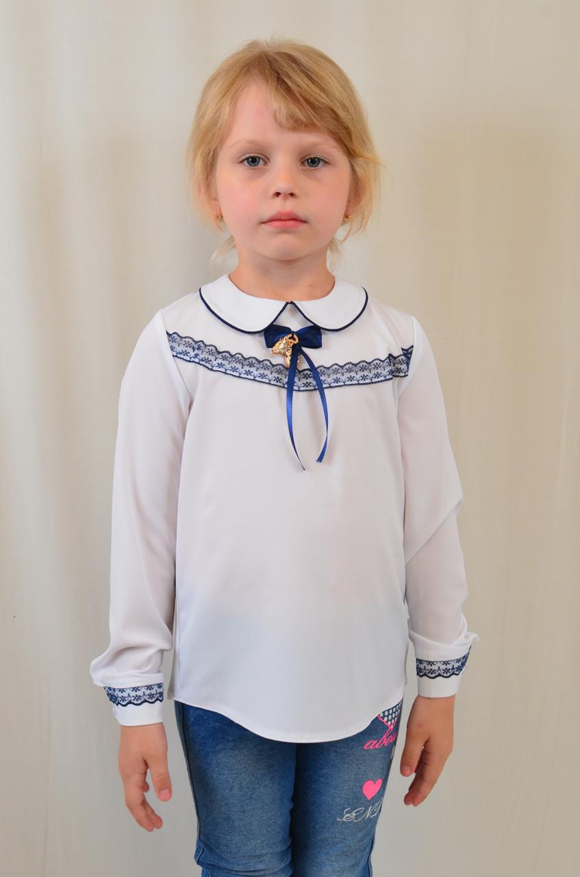 9a6dad0057c Красивая нарядная школьная блуза с кружевом и брошью для девочки в школу