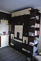 Шкаф кровать стол стулья