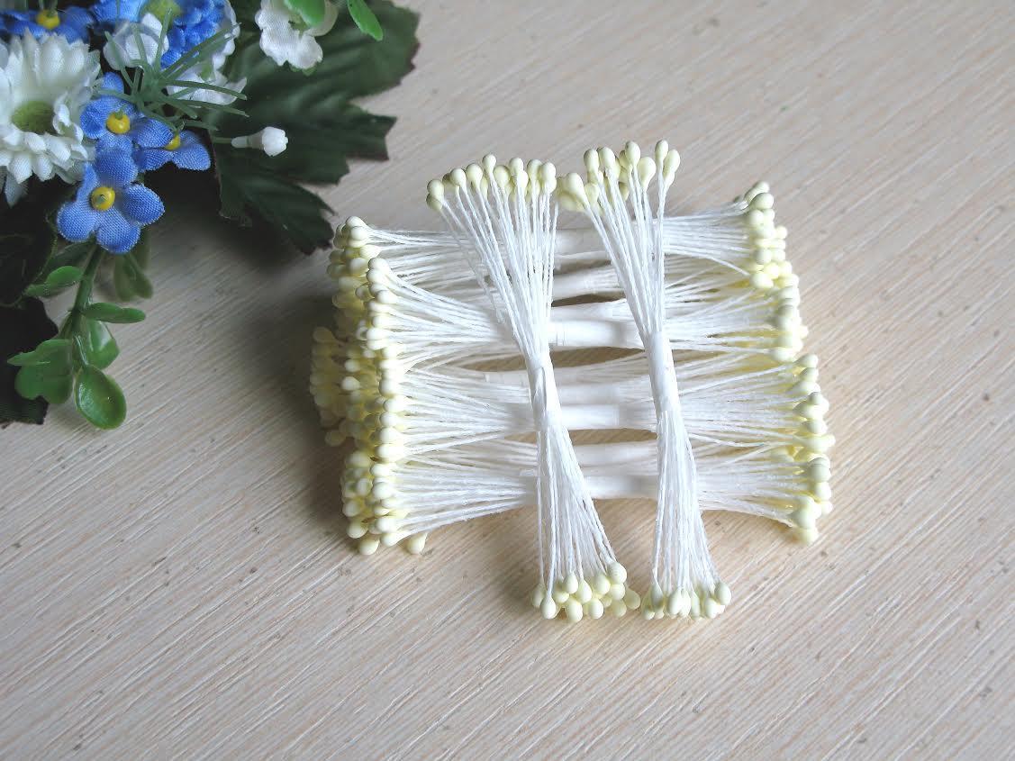 Тайские тычинки, белые,  на белой  нити, 23-25 нитей, 50 головок