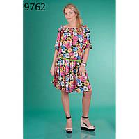 Романтическое платье с красочным цветочным рисунком