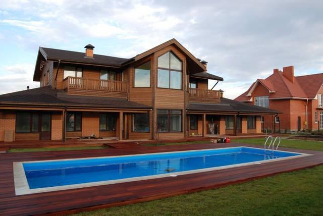 Вот так выглядит дом из профилированного бруса.