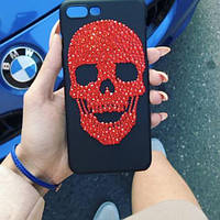 Чехол на iphone с черепом из страз Сваровски