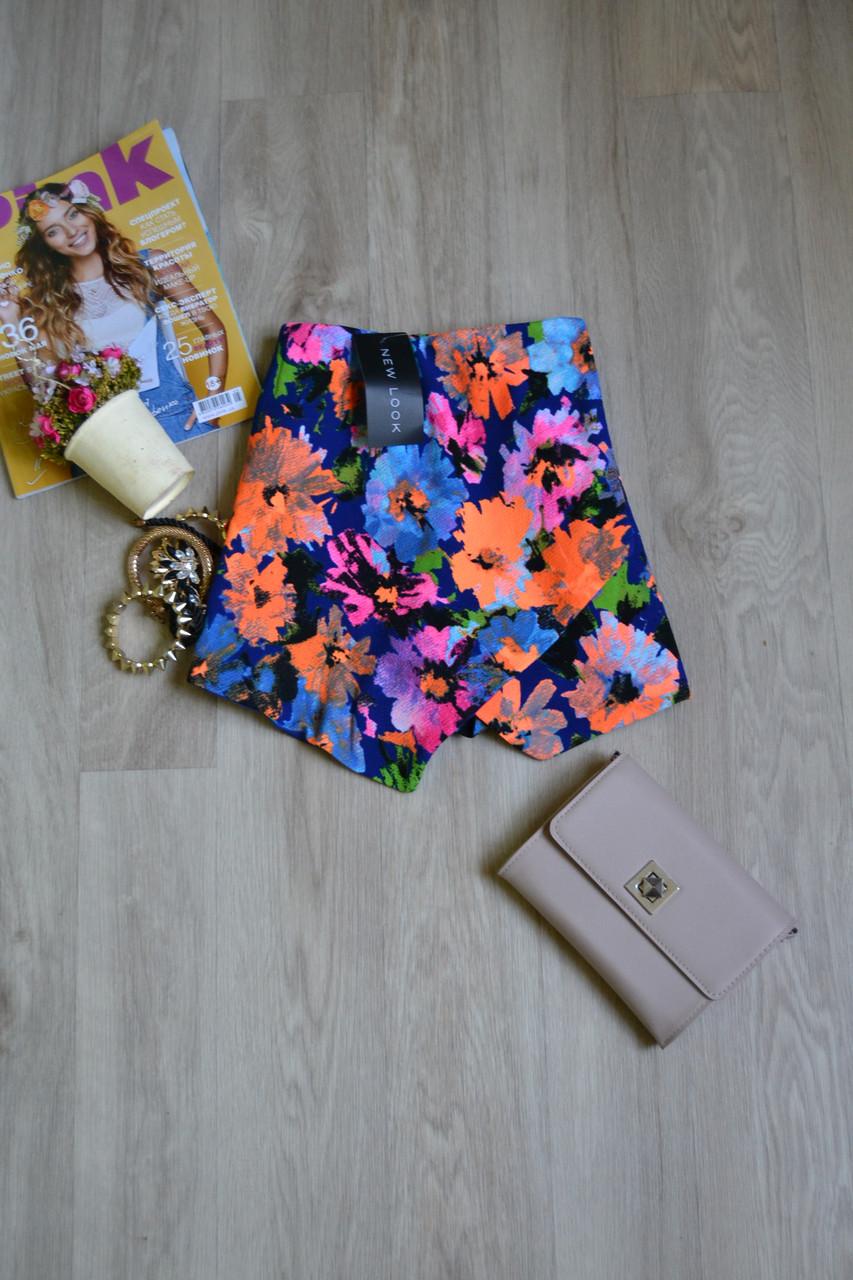 Новые цветочные шорты на запАх New Look