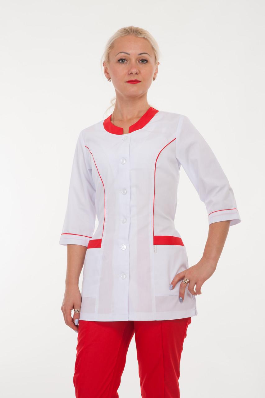 Бело-красный медицинский костюм