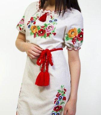 Платье из натурального полотна,вышито гладью