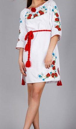 Лёгкое платье из белоснежного льна с вышивкой