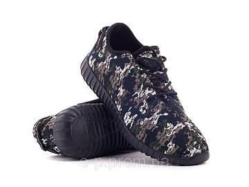 Можно ли носить кроссовки с костюмом?