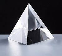 Пирамида хрустальная белая 8х8х7 см