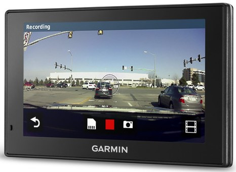 GPS-навігатор з відеореєстратором Garmin DriveAssist 51 LMT-D Europe
