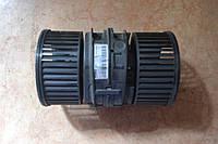 Моторчик печки б/у Renault Megane 3 272108241R, T1009074B
