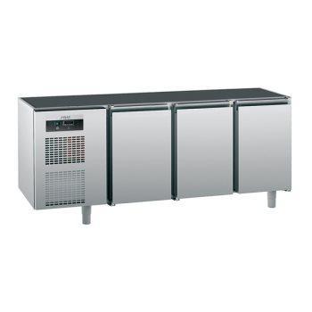 Стол холодильный Sagi KUB