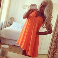 Платье короткое, яркий оранжевый цвет с бусинами на шее, все размеры в наличии!