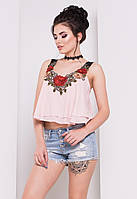 Летняя короткая блузка пудрового цвета с вышивкой. Модель 16448