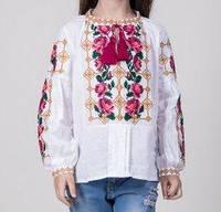 Красивая вышитая блуза  для девочки