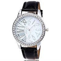 Элегантные женские часы Cristal Silver Moon со стразами
