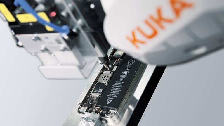 Шарнірний робот для микроввинчивания KUKA ready2_fasten_micro