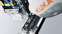 Шарнирный робот для микроввинчивания KUKA ready2_fasten_micro