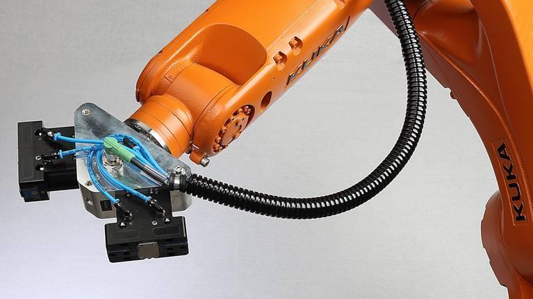 Погрузочный робот KUKA ready2_grip