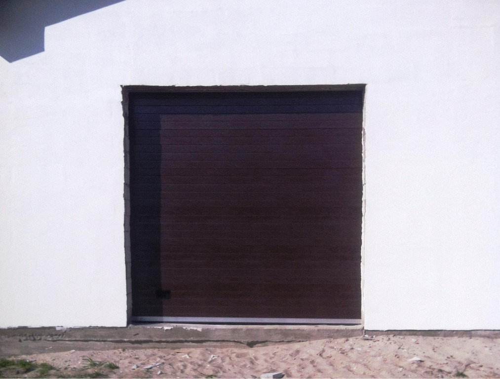Ворота Гант Плюс в коричневом цвете RAL 8014, тип панели - гофр, 3000 х 3000