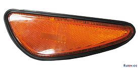Указатель поворота в бампере Nissan Maxima 00-06 левый, желтый, активный (DEPO) передний