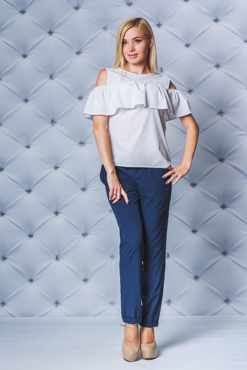 Блуза женская с рюшей белая