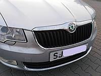 Решетка переднего бампера радиатора Шкода Суперб 2