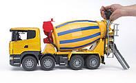 Игрушечная машина Бетоновоз SCANIA R-Serie жёлтый М1:16 BRUDER