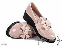 Стильные туфли на платформе,лакированные, бежевые