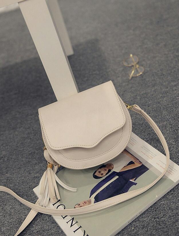 """Женская сумка через плечо с кисточкой - Интернет-магазин """"Buduar"""" в Белой Церкви"""