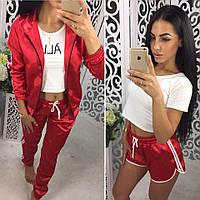 Женский атласный костюм-тройка красного цвета