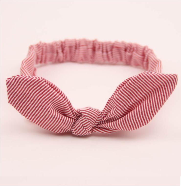 Детская стильная солоха на голову в полоску для девочки.