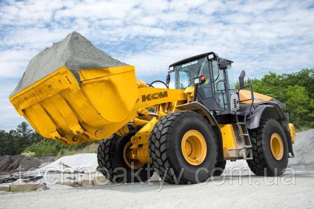 90Z7 T4F Объем ковша 5,5-6,1 м 3   | Рабочий вес 53,310 фунтов |  Cummins Двигатель / Выход 272 HP | Сила разрыва 44 740 фунтов
