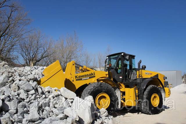 95Z7 Производительность ковша 7,3-8,1 м 3 | Рабочий вес 75,570 кг |  Isuzu Engine / Output 388 HP | Сила разрыва 53 730 фунтов