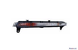 Дневные ходовые огни Audi Q7 05-09 прав., короткие (Depo) 446-1603R-UQ 4L0953042