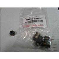 Сальник впускных клапанов двигателя 90913-02101