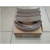 Колодки тормозные задние барабанные 44060-ED026