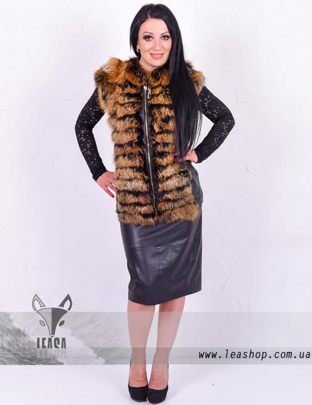Комбинированная жилетка из кожи и меха лисы