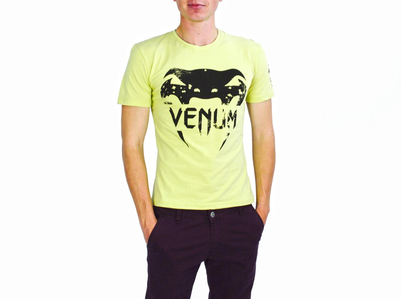 Бледно-желтая мужская футболка с рисунком VENUM на лето
