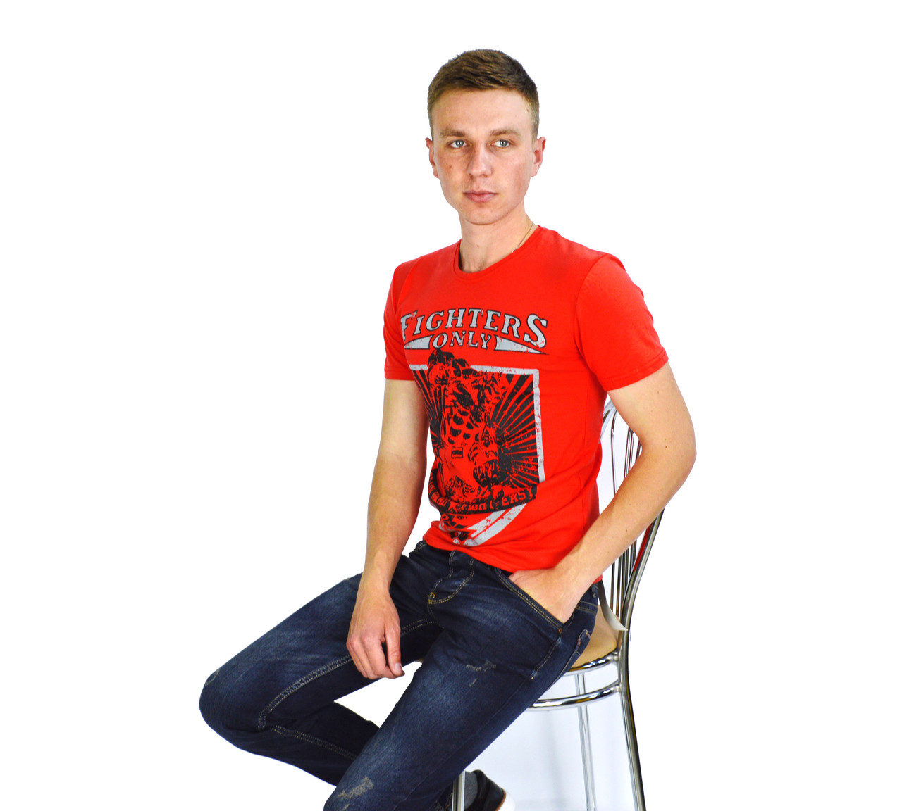 Тарракотовая мужская футболка с рисунком Fighters на лето