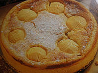 Яблочный пирог с йогуртом