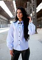 Белая рубашка (блуза) с брошью женская