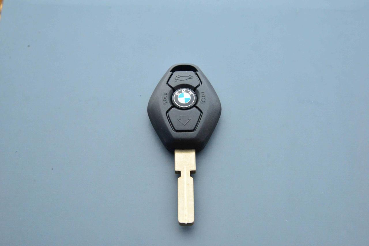 Корпус авто ключа под чип для BMW Е38, Е39 (бмв) лезвие HU 58
