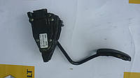 Педаль газа электронная Renault Trafic / Vivaro 01> (OE RENAULT 7700313060)