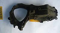 Кронштейн (плита) крепления генератора Renault Master / Movano 2.5dci 06> (OE RENAULT 8200457445)
