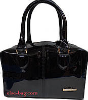 Черная лаковая женская сумка