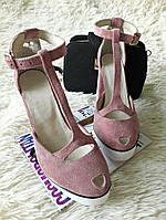 Модные женские летние туфли босоножки на высоком толстом устойчивом каблуке с дырочкой на носике пудровые замшевые