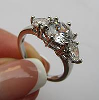 Родированное кольцо с белыми топазами. Размер 18.0