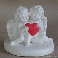 Два ангелочка мини  с сердечком на таблетке