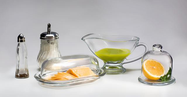 Заварювальні чайники, маслянки, цукорниці, набори для спецій і т. п.
